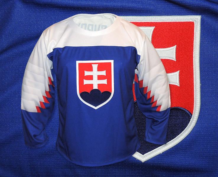 0dead43ea0d38 Slovakia semi authentic hokejový dres 2019 biely · Slovakia semi authentic  ...